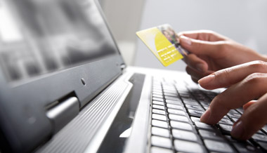 Global retail e-commerce continues to grow